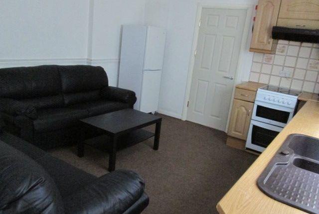 Thumbnail Flat to rent in Bryn Road Gf, Brynmill, Swansea