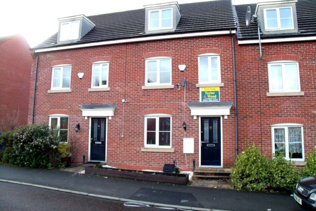 Thumbnail Town house for sale in Everest Close, Dukinfield