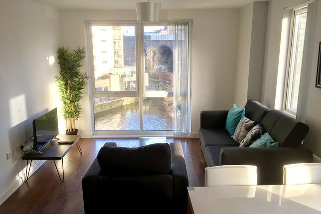 Thumbnail Flat to rent in The Riverside, Lowry Wharf, Salford