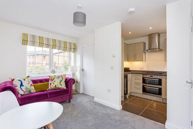 Thumbnail Flat to rent in Birmingham Road, Stratford-Upon-Avon