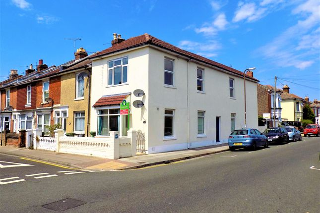 Thumbnail Flat to rent in Edmund Road, Southsea