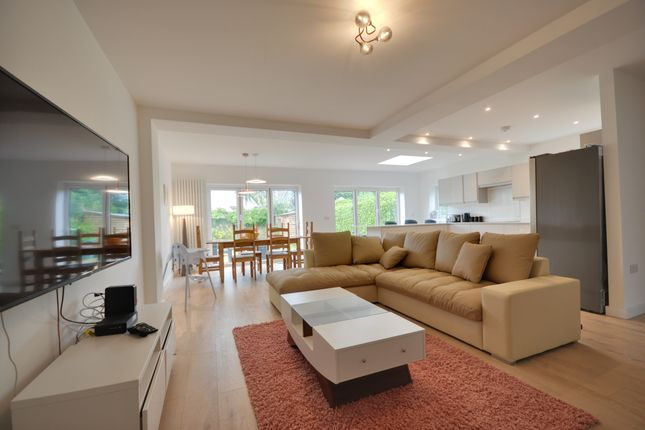 Thumbnail Property to rent in Sherwood Avenue, Parkstone, Poole