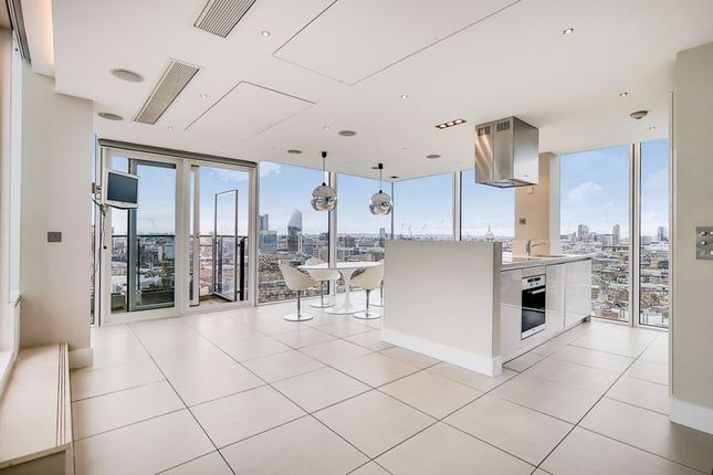 Thumbnail Flat to rent in Empire Square West, Empire Square, London
