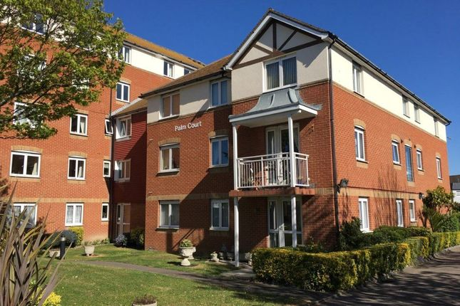 Thumbnail Flat to rent in Rowena Road, Westgate-On-Sea
