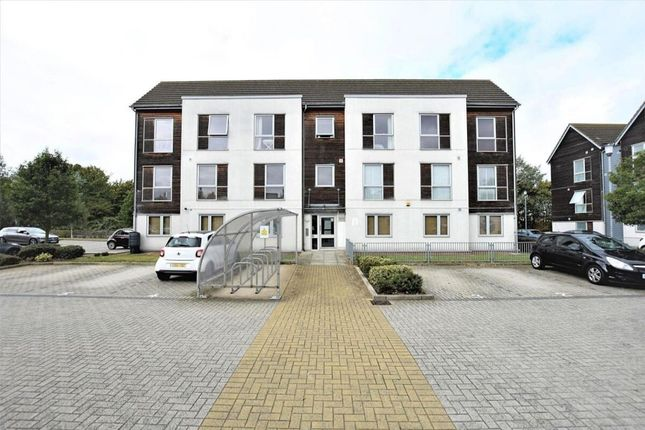 Thumbnail Flat to rent in Dulcie Close, Greenhithe