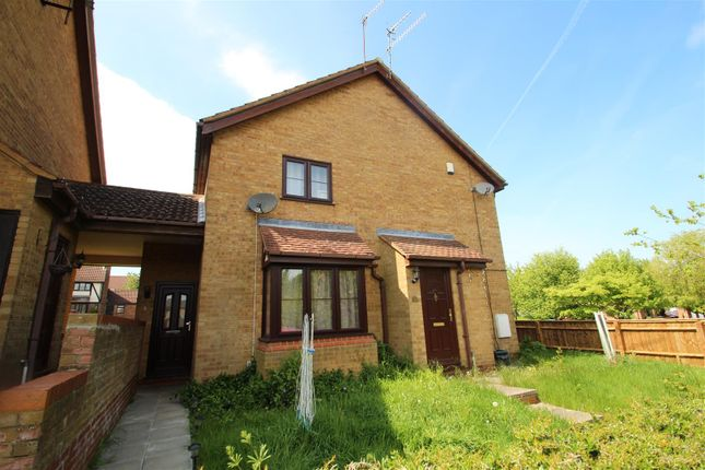 Thumbnail Terraced house to rent in The Pastures, Fields End, Hemel Hempstead