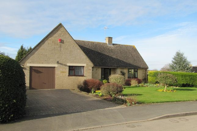 Thumbnail Detached bungalow for sale in 1 Pear Tree Close, Chipping Campden