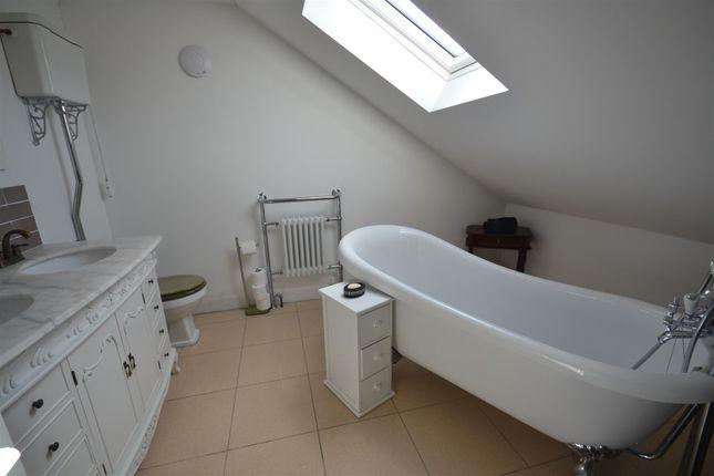 En-Suite of Bradfield Close, Allesley Park, Coventry CV5