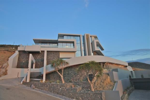 Thumbnail Property for sale in Cambridge Crescent, Baronetcy Estate, Cape Town, 7500