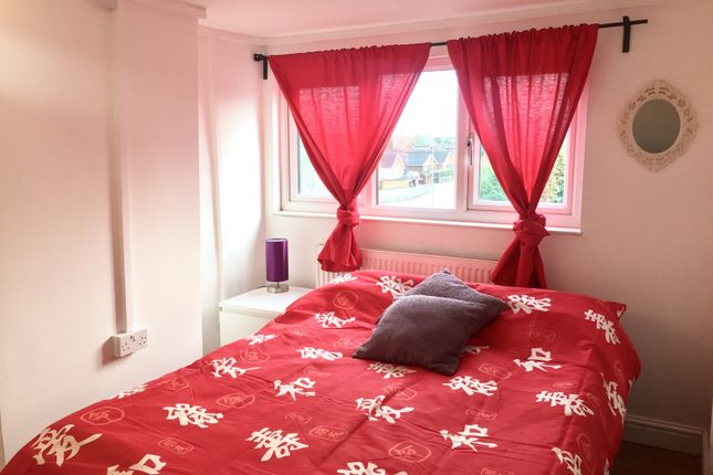 Studio to rent in Pinfold Street Extension, Darlaston