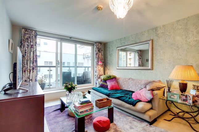 Thumbnail Flat for sale in Osiers Road, London