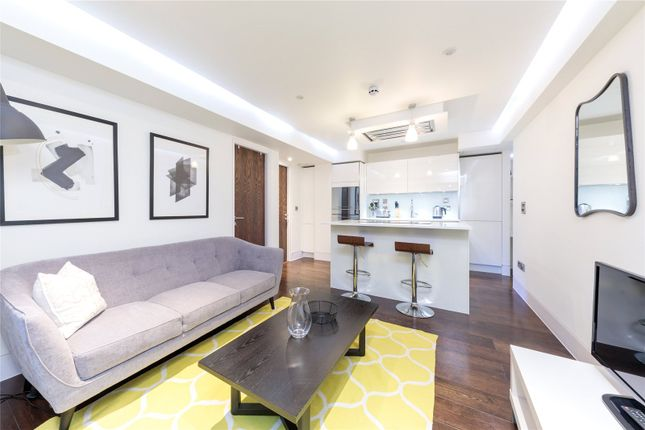 1 bed flat to rent in Well Court, London EC4M