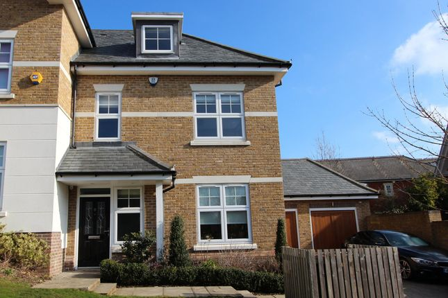 Thumbnail Town house to rent in Manor Place, Kingswood, Tadworth
