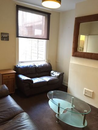 Thumbnail Shared accommodation to rent in St Andrews Road, Northampton