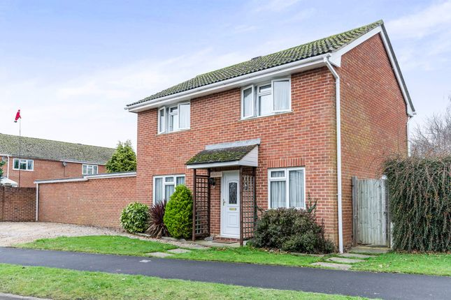 Thumbnail Detached house for sale in Tees Farm Road, Colden Common, Winchester