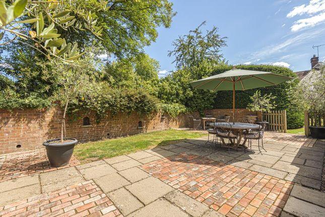 Garden View of Checkendon, South Oxfordshire RG8