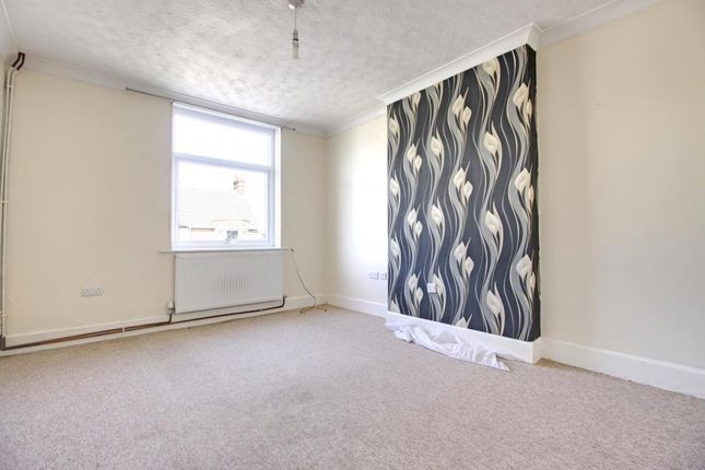 Thumbnail Flat to rent in Sea View Road, Parkstone, Poole