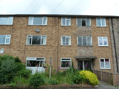 2 bed flat to rent in Rugby Road, Leamington Spa