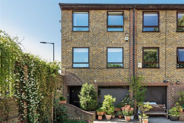 Thumbnail Property for sale in Abinger Mews, London