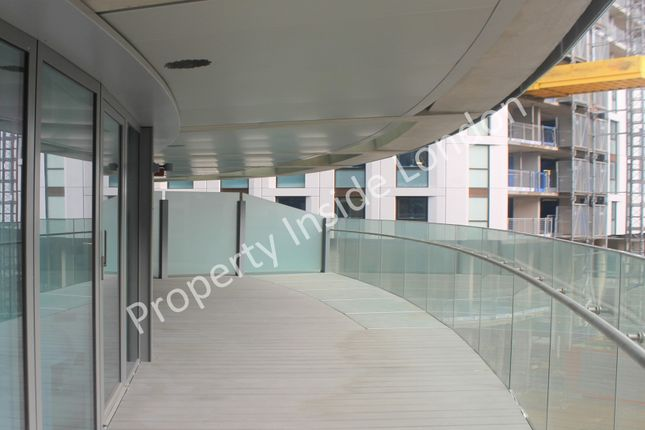 Thumbnail Flat for sale in Baltimore Tower / Arena Tower, Canary Wharf, London