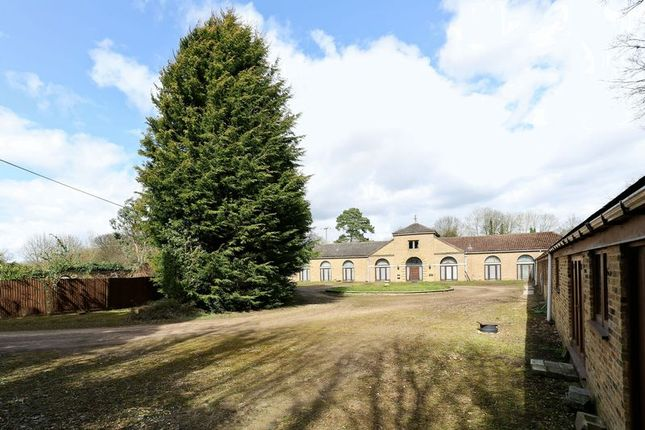 Thumbnail Detached house for sale in Ware Park, Nr Hertford, Herts