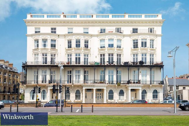 1 bed flat to rent in Adelaide Mansions, First Avenue, Hove, East Sussex BN3