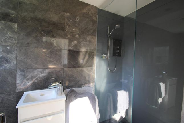 Wet Room of Southport Road, Thornton, Liverpool L23