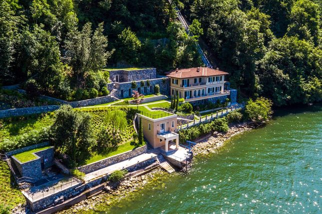 Thumbnail Town house for sale in Via Enrico Caronti, 22020 Blevio Co, Italy