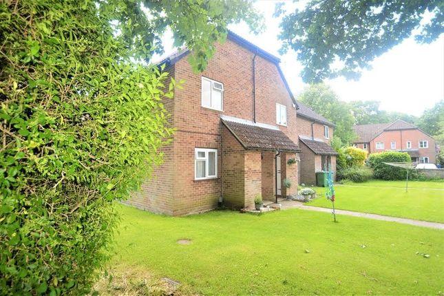 Thumbnail Maisonette to rent in Vesey Close, Farnborough GU14, Farnborough,