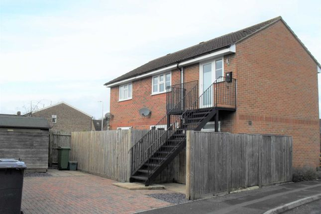 Collins Close, Newbury RG14