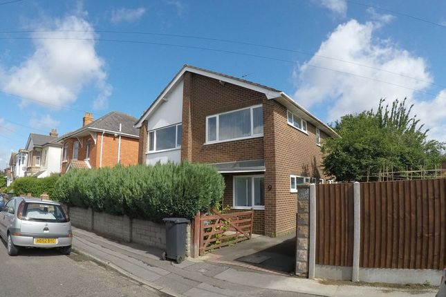 Thumbnail Detached house to rent in Kinsbourne Avenue, Bournemouth