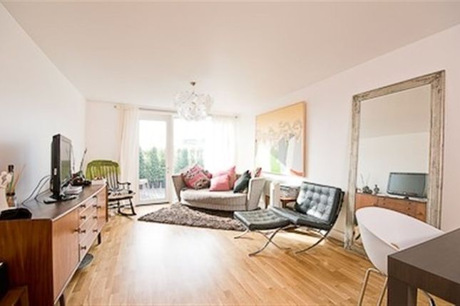 3 bed flat to rent in Adelaide Wharf, 120 Queensbridge Road, London
