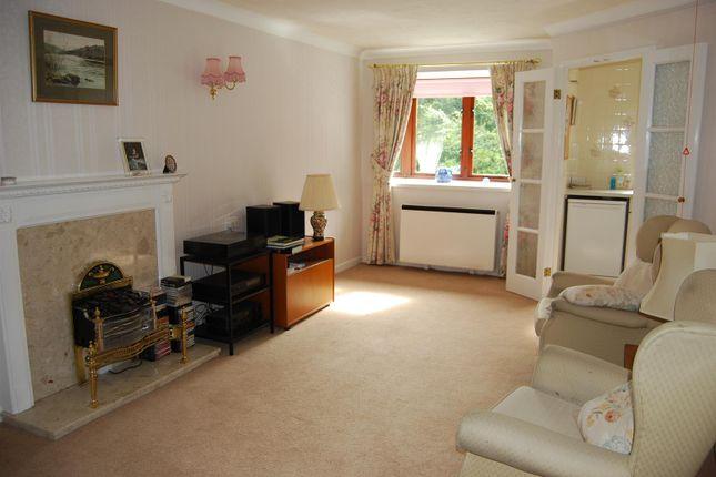 Thumbnail Flat to rent in Ashley Road, Altrincham, Altrincham