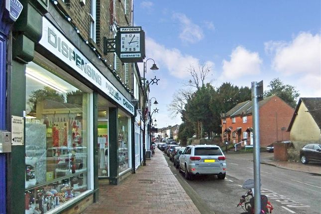 Thumbnail Flat for sale in Bullfields, Snodland, Kent