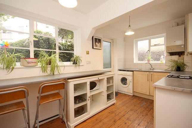 2 bed maisonette for sale in Grove Crescent, Kingston Upon Thames