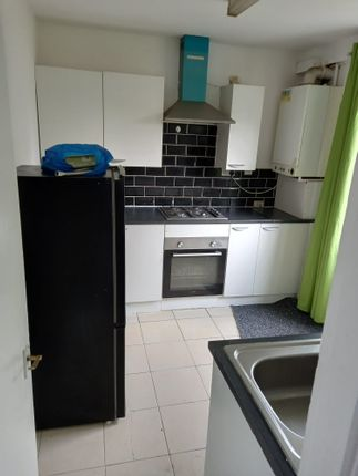 Thumbnail Terraced house to rent in Markyate Road, Essex