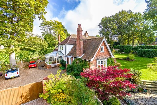 5 bed detached house for sale in Bayards, Warlingham