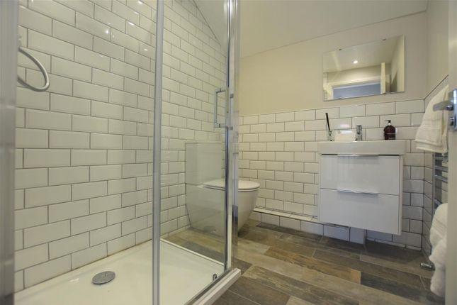 Bathroom of Northen Grove, West Didsbury, Didsbury, Manchester M20
