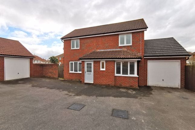 3 bed detached house to rent in Cavalier Close, Bridgwater TA6