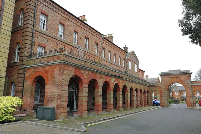 Thumbnail Flat to rent in The Colonnades, Royal Gate, Southsea