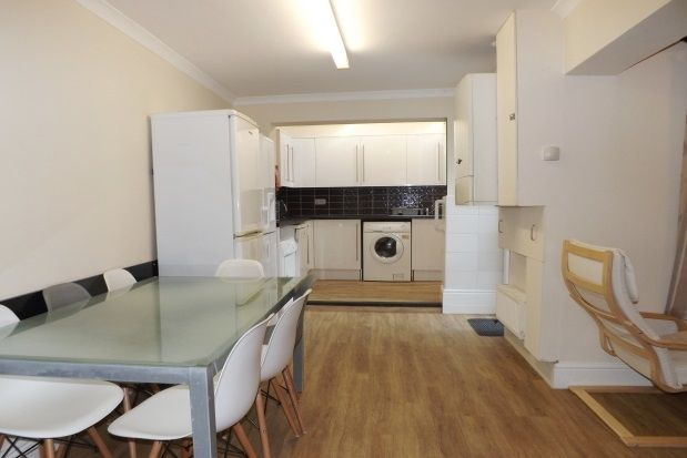 Thumbnail Property to rent in Clifton Place, Plymouth