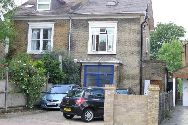 Flat to rent in Merton Road, London
