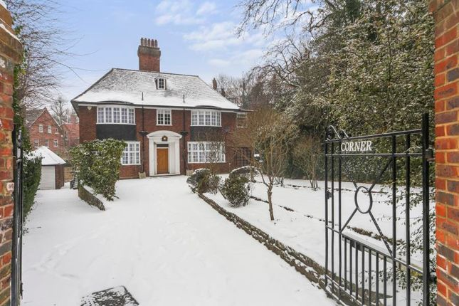 Thumbnail Property to rent in Netherhall Gardens, London