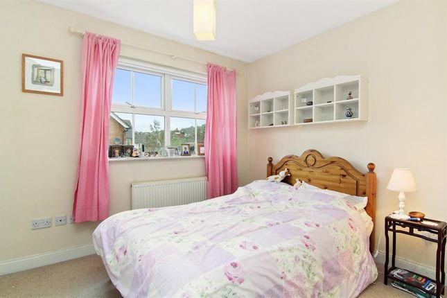 Thumbnail Property to rent in Shire Place, Redhill