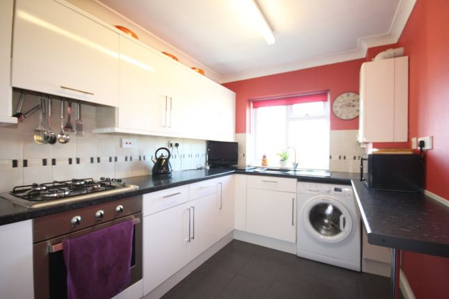 Thumbnail Flat to rent in Hookhills Road, Paignton