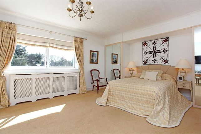 Flat for sale in Martello Park, Canford Cliffs, Poole