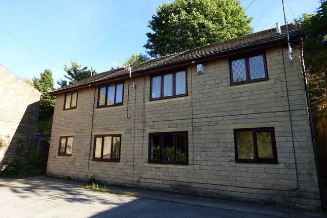 Thumbnail Flat for sale in Junction Court, Glossop