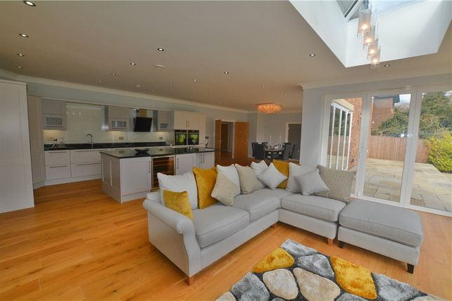 Thumbnail Detached house for sale in Daleside, Gerrards Cross, Buckinghamshire