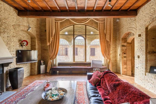 4 bed apartment for sale in 53037 San Gimignano, Province Of Siena, Italy