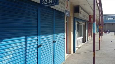 Retail premises to let in 138 Shannon Road, Hull